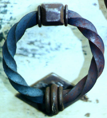 deluxe twisted ring door knocker